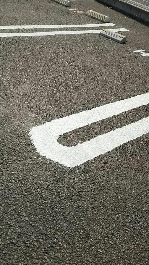 駐車場白線引き
